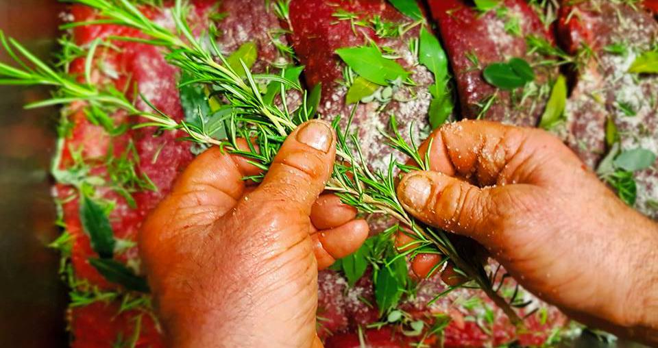 Carne di Struzzo e erbe aramatiche, Allevamento di struzzi il Cascinetto, Crema